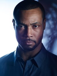 Luke-Garroway-shadowhunters-tv-show-39188007-648-864